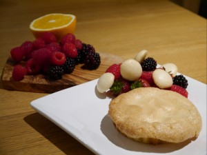 summer fruit meringue pie