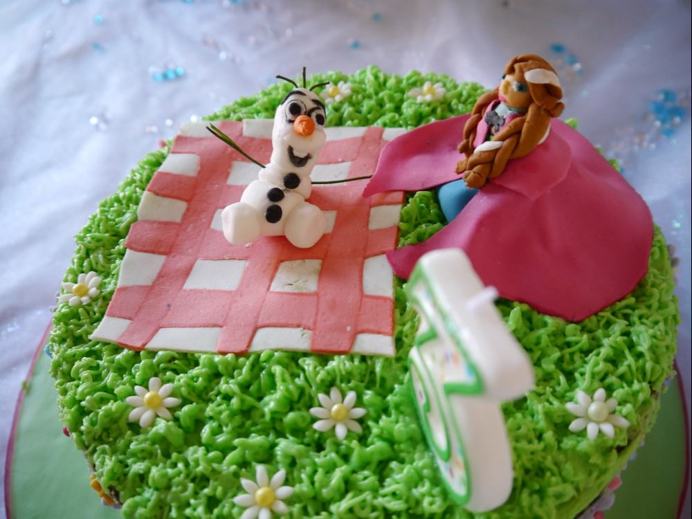 Frozen Themed Birthday Cakes In Summer Mummy Makes Cakes