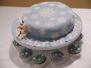 Frozen christmas cake 2